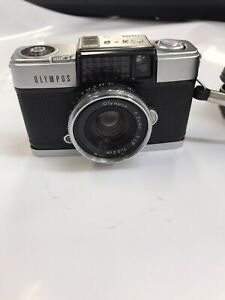 Olympus Pen D Camera with F3.2 F.Zuiko lens and case