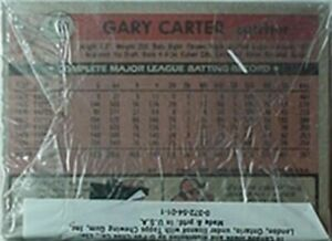 1981 TOPPS CELLO PACK W/ GARY CARTER SHOWING