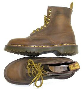 DR MARTENS Doc Martin ENGLAND UK 5 / US 7 Oil Resistant 8 Eye Army Ankle Boots