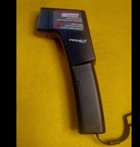 VWR INFRARED THERMOMETER DIODE LASER 230133211 w/ CASE