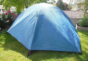 ALPS MOUNTAINEERING TAURUS 4-PERSON DOME TENT w/ RAINFLY, DARK BLUE & BEIGE