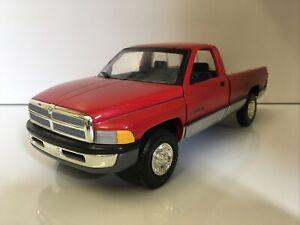 Ertl American Muscle CE 1 18 1995 Dodge RAM 2500 SLT Pickup