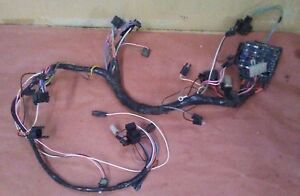 75-77 CAMARO RS DASH HARNESS V8 AUTO DOES NOT HAVE TACH USED GM BOX # 266