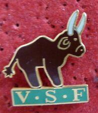 PIN'S ANIMAUX TAUREAU V.S.F VETERINAIRES SANS FRONTIERES VSF EGF