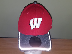 Wisconsin Badgers NCAA New Era Red and Gray M/L NEW Hat