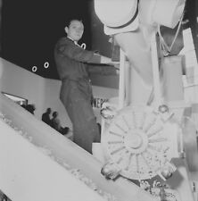 BRUXELLES c.1958 -Expo Machine Copeaux de Savon Belgique- Négatif 6 x 6 - Bel 88