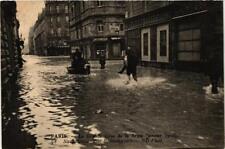 CPA La Grande Crue de la Seine. 98 Rue Bellechasse. Sauveteurs (561653)