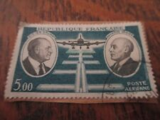 1 timbre republique francaise DIDIER DAURAT & RAYMOND VANIER