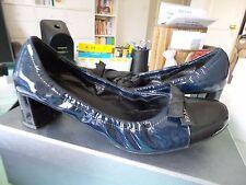 Escarpins vernis marine/noir PRADA souples Taille 40