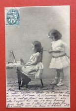 CPA. 1904. Petites Filles. Coiffeuse. Fer à friser. Coiffure.