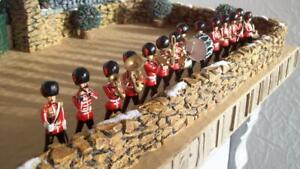 MAGNIFICENT DISPLAY OF *14 W BRITAINS FROM SET #37* COLDSTREAM GUARDS BAND