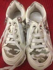 Syssy- scarpe da bambina - colore bianco e militare - N° 26 - chiusura stringhe