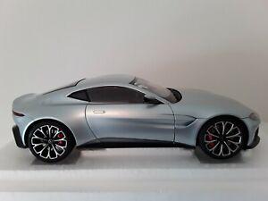 Autoart Aston Martin Vantage 2019 1/18
