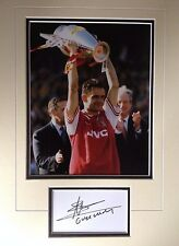 MARC OVERMARS - FORMER ARSENAL FOOTBALLER - EXCELLENT SIGNED COLOUR DISPLAY