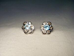 Beautiful Estate 14K White Gold Diamond Blue Topaz Floral Stud Earrings