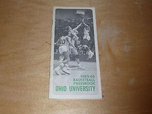 1965 1966 OHIO UNIVERSITY (ATHENS OHIO) COLLEGE BASKETBALL MEDIA GUIDE EX-MINT