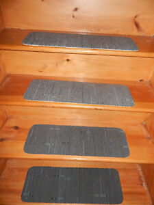 "15 Step Indoor Stair Treads Staircase 8"" x 24"" Rug Carpet + landing 24''x 24""."