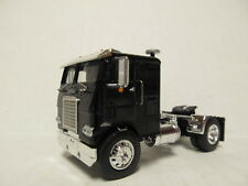 DCP 1/64 SCALE WHITE FREIGHTLINER CABOVER BLACK WITH BLACK FRAME (SINGLE AXLE)