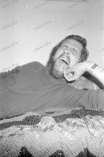 Portrait-strip-Posing-cute Bart-beard-sexy-Nude-Man-Boy-Bett-bed-34
