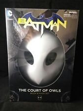 Batman: The Court of Owls Mask and Book Set (the New 52) New & Sealed!!!!
