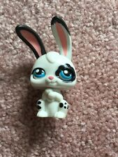Littlest Pet Shop LPS White Bunny With Black Spots Moving Blue Eyes Hasbro