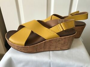 Ladies CLARKS Wedge Sandals / Shoes size 6 NEW