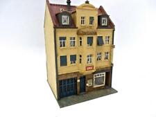 HO Built Kibri 4 Story Town House With Dentist Office on 1st Floor Great Detail