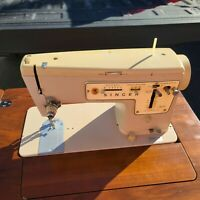 Vintage Singer Sewing Machine Stylist Zig-Zag Model 457 W/ Pedal in Table