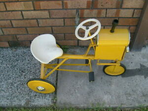 CYCLOPS BEAUTIFULLY RESTORED MINOR TRACTOR PEDAL CAR  RARELY OFFERED