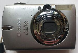Canon Digital IXUS 700 - 7.1MP Digital Camera + 2 Batteries/Charger/ 2GB Card