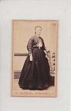 SAN FRANCISCO, CA. BEAUTIFUL WOMAN. ANTIQUE ENAMELED CDV BY NEW YORK GALLERY