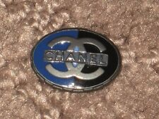 CHANEL  CC LOGO FRONT AUTH  SILVER BLUE METAL BUTTON TAG 16 x 12  MM  emblum