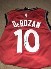 Demar Derozan Autographed Jersey Size Large