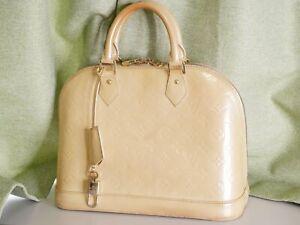 LOUIS VUITTON M91445 BlancCorail Monogram Vernis White Beige Handbag Auth #3732P