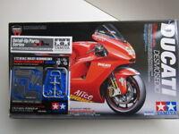 Tamiya 1:12 Scale Ducati Desmosedici Moto GP Model Kit - New #14101*3000 Bayliss