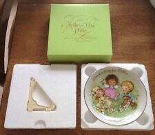 Vintage Avon Mother's Day Porcelain Plate w/Easel-Love is a song for Mother Nwb