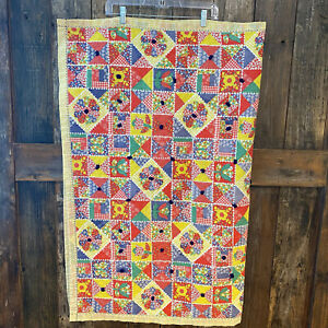 1950's Quilt Bright Yellow Gingham Tulips Patchwork 2 Sided Knotted Lightweight
