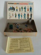 Bachmann Plasticville Box Set of 31 Figures Paint 2 Benches Citizens 1915      J
