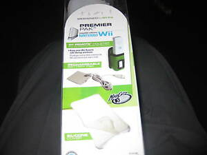 Madcatz Premier Pak Designed For NINTENDO Wii Fit Holster/Battery Pk/Cover NIB