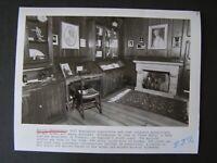 Glossy Press Photo Agatha Christie's 1937 Remington Typewriter & Manuscripts