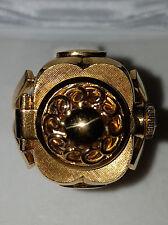 Ringuhr von Carl F. Bucherer 18 Karat Gold, Uhrwerk auf 17 Rubine gelagert