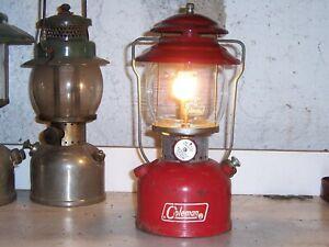 Vintage Coleman lantern model 200A, 1971, works