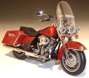 Harley Davidson FLHRC Road King 2011 Ertl 1/12 Colour Orange Metallic