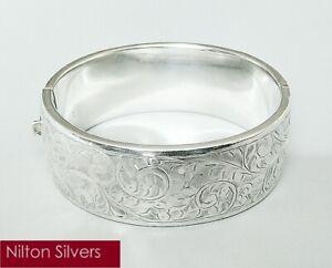 Vintage solid silver hinged cuff bangle, K. Ltd., B'ham 1946 (35.25g)