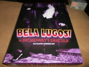 MOEBIUS 914, 1/8 BELA LUGOSI AS BROADWAY DRACULA PLASTIC FIGURE MODEL KIT