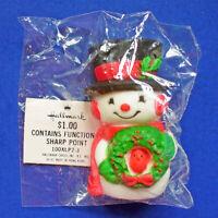 Hallmark PIN Christmas Vintage SNOWMAN WREATH Red Bird Holiday Brooch SIGNED NEW