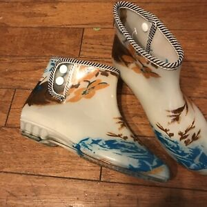 women's Size 8 ankle rain boots Booties Rubber Floral