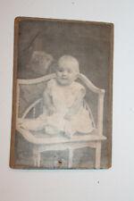 Altes CDV Foto AMSoN&Co Krefeld Friedrichstr. 4, Kleinkind Eckstuhl, Jugendstil