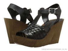 BRAND NEW AUTHENTIC KENNETH COLE CAPELLINI LEATHER WEDGE SANDALS HEELS US7