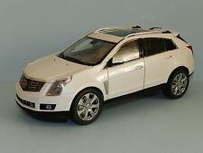 Kyosho 1/18 Cadillac SRX Crossover (White) MiB